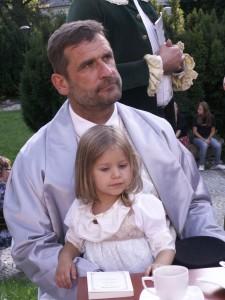 Jestm Johannesem van Rossumem amoja córeczka Ola jest moją córeczką Olą.